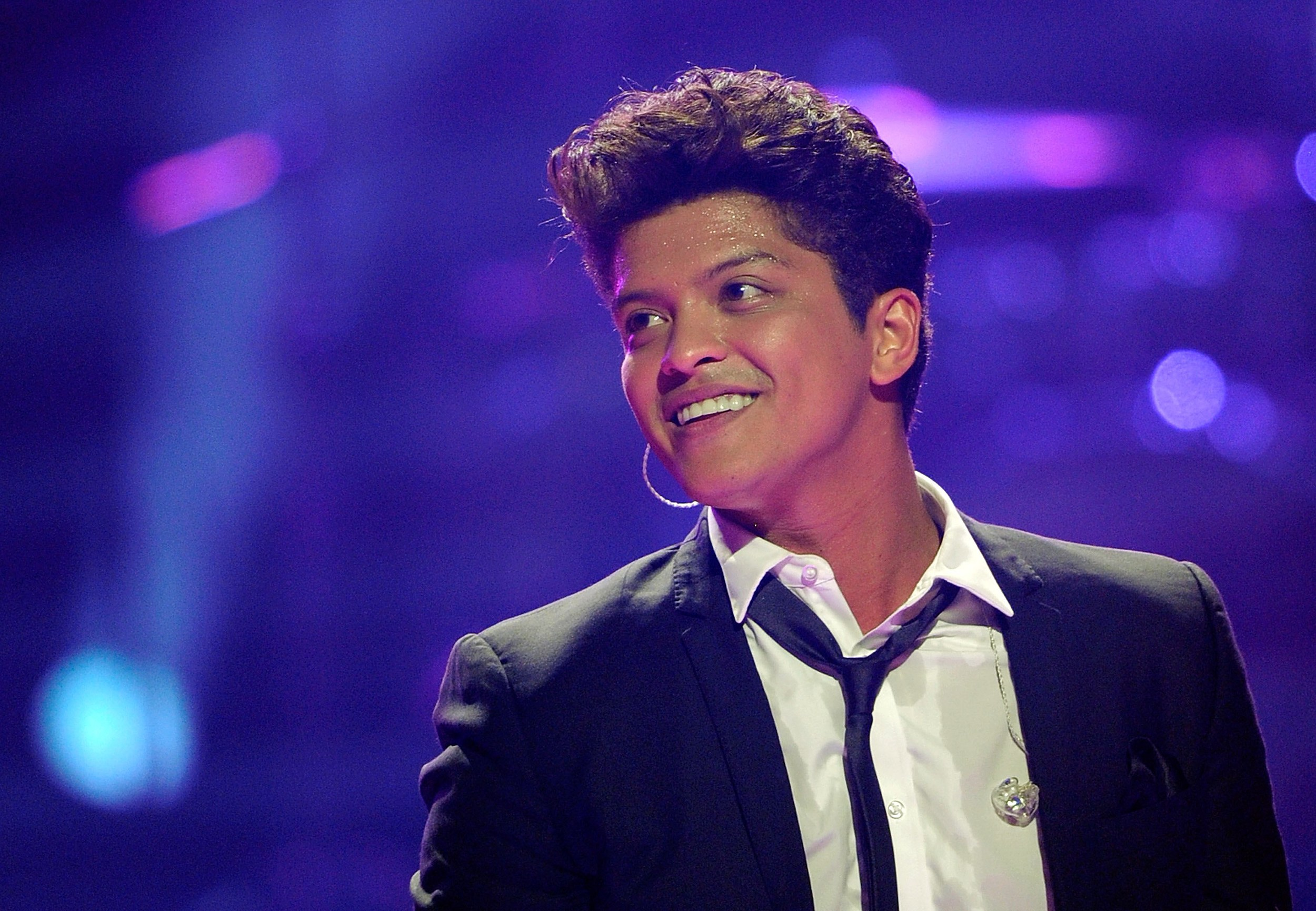 Iheartradio Contest Bruno Mars