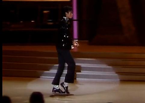 Michael Jacksons Moonw...