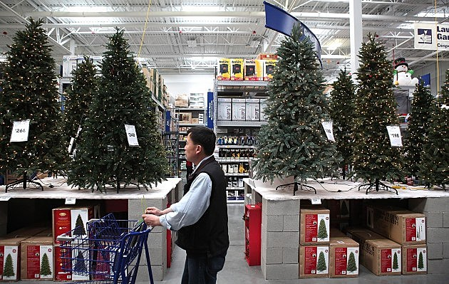 Tips On How To Make That Artificial Christmas Tree Look Real